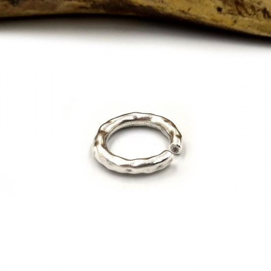 RING ROUND CYLINDRICAL WITH HAMMERED PATTERN SILVER PLATED