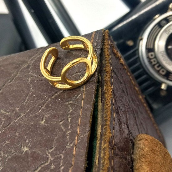RING WITH DOUBLE CONTOUR AND CIRCLE